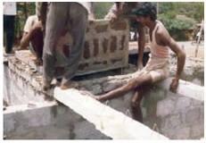 பீம் மீது ஸ்லாப் பொருத்தப்படுகிறது